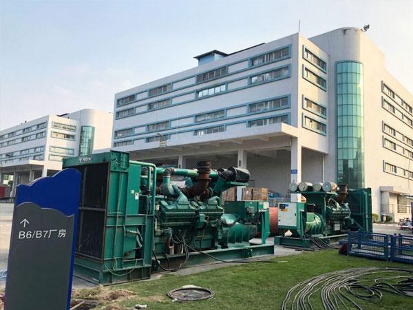 扬州某电子厂出租两台800KW康明斯发电机